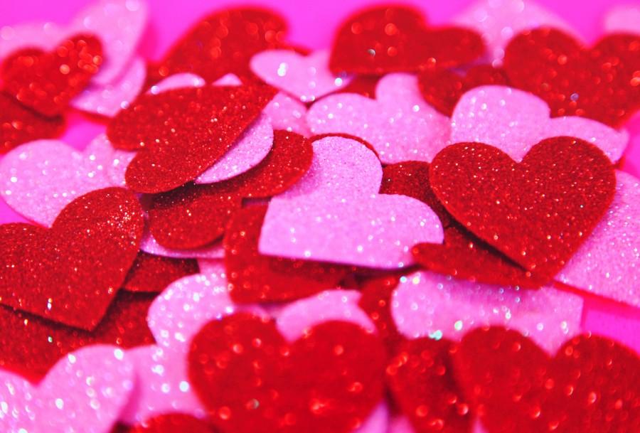 fondos de pantalla de corazones rojos y brillantes