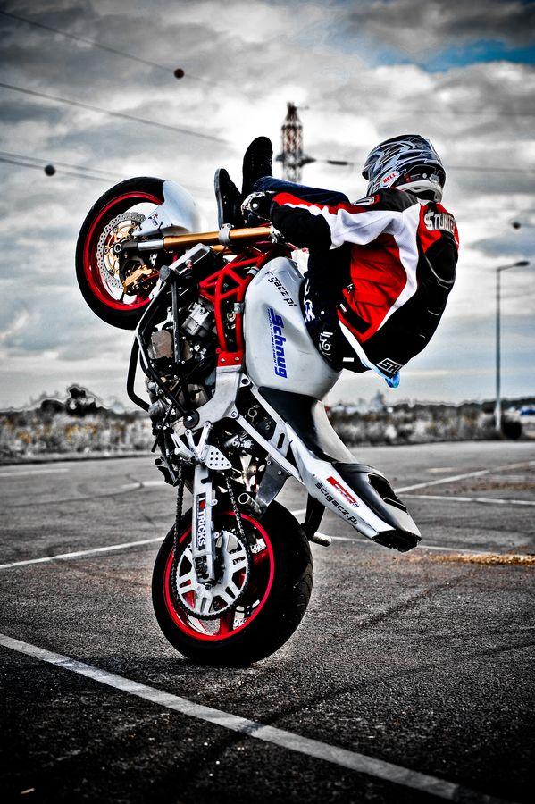 fondo de motociclista