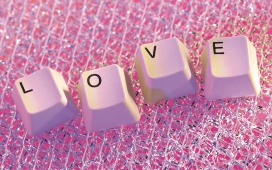 fondo-pantalla-teclado-love_214813091