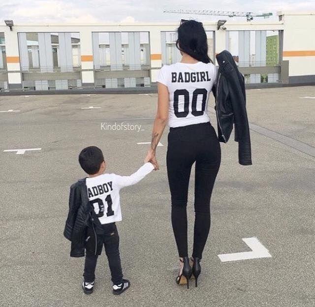 madre e hijo vestidos iguales