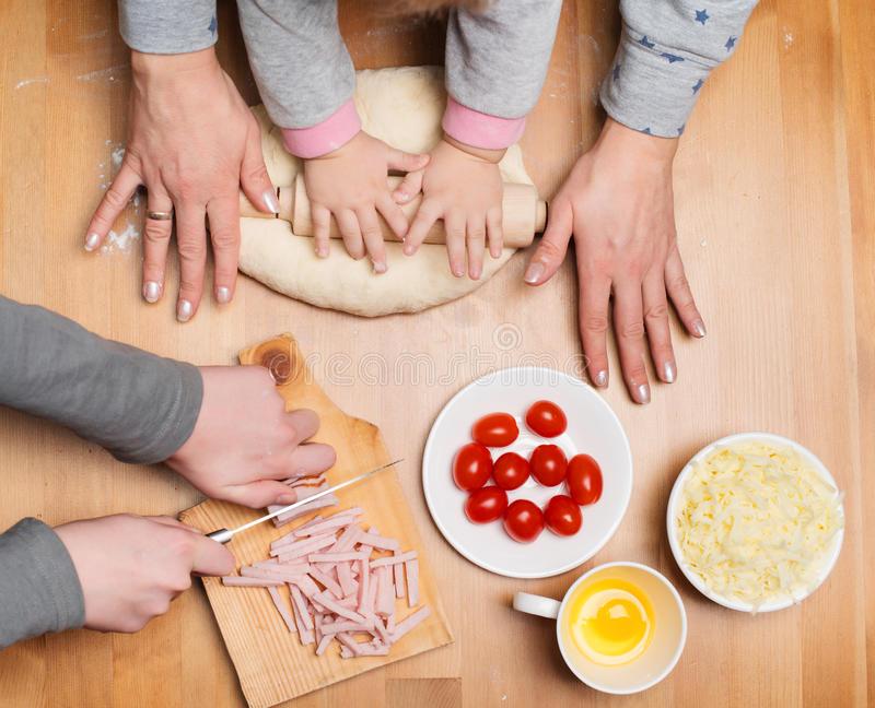 madres cocinando fondos