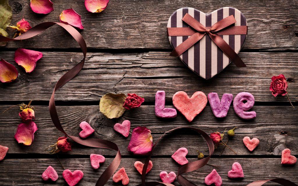 vintage love heart wallpaper