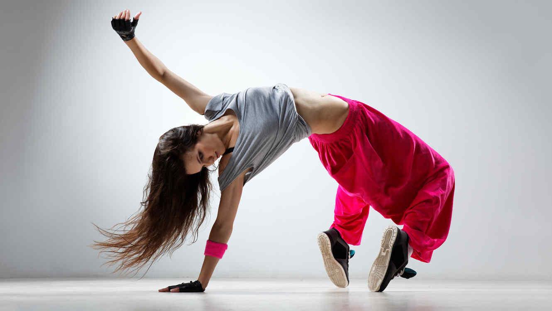 Mujer bailando Hip Hop