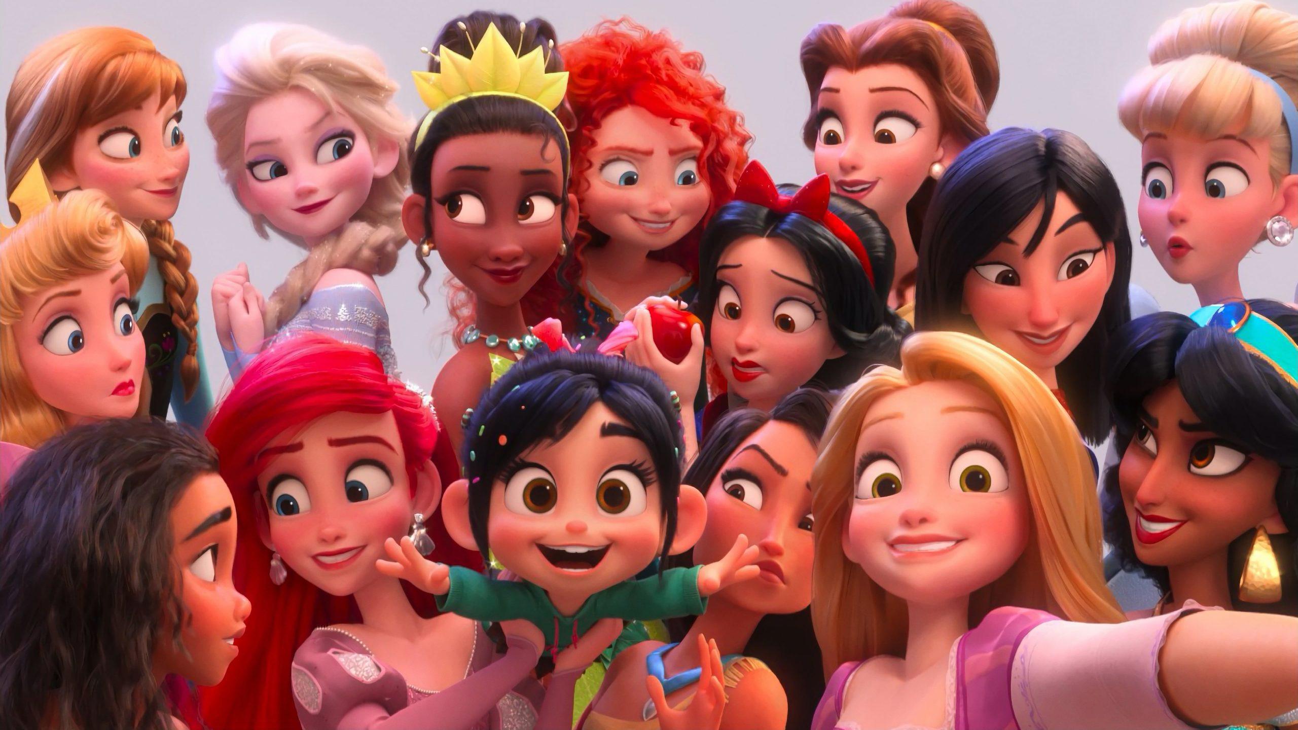 Fondo de pantalla de princesas con Venelope de Ralph