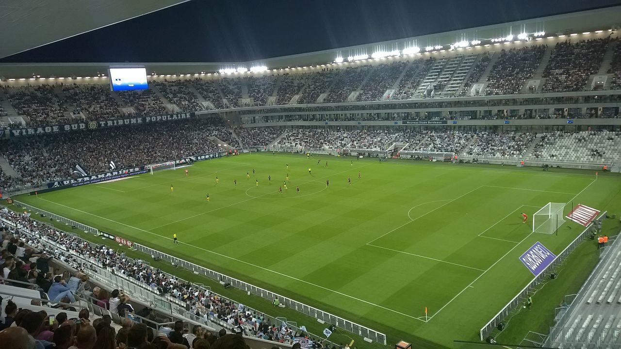 Estadio y casa