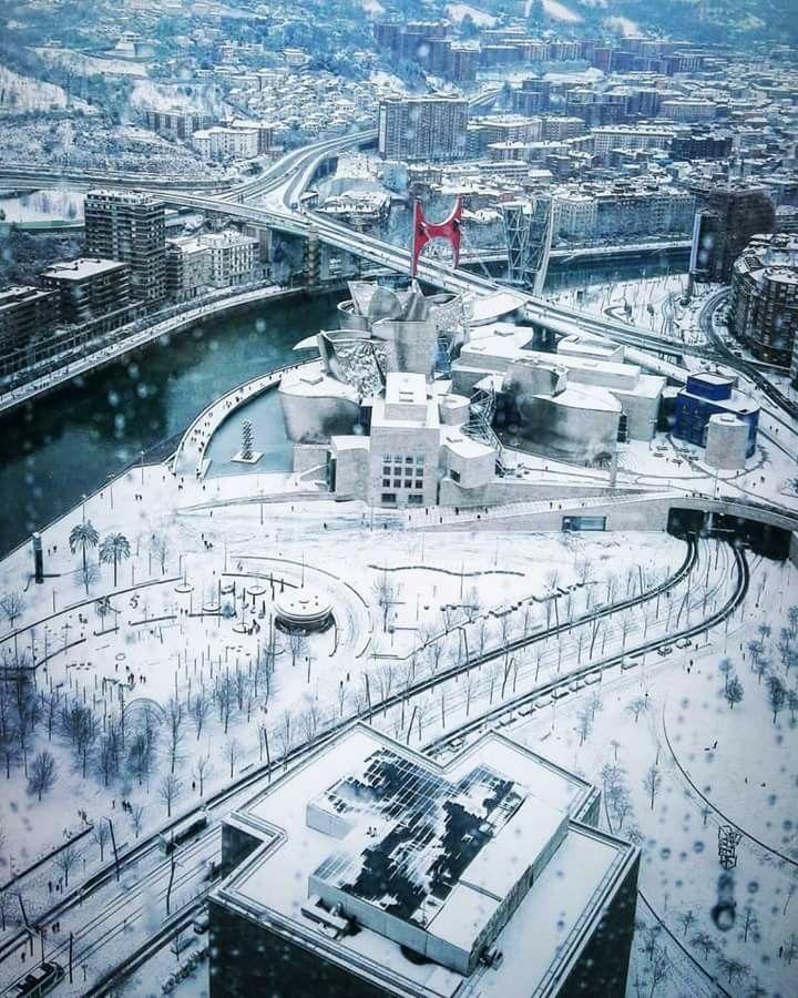 Nieve cubre Bilbao