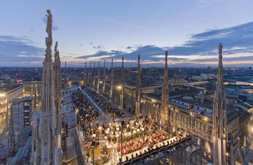 Pasea por Milán