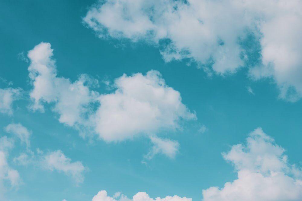 Fondo de nubes azul para pc